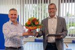 GEIGER-Geschäftsführer Roland Kraus (li.) verabschiedet Rudi Claus nach über 40 Jahren Betriebszugehörigkeit in den wohlverdienten Ruhestand. Der leidenschaftliche Vertriebsmann war zuletzt Segmentleiter mechanische Antriebe. Bildquelle: GEIGER