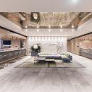 Der elegante Empfangsbereich des Hilton Garden Inn, Wiener Neustadt. Quelle: Kesco-Hotel GmbH