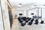Der Showroom im Cosentino Center Berlin bietet Raum für Kundengespräche und Veranstaltungen, etwa mit Architekten und Designern sowie der Möbel- und Küchenbranche. Quelle: Cosentino